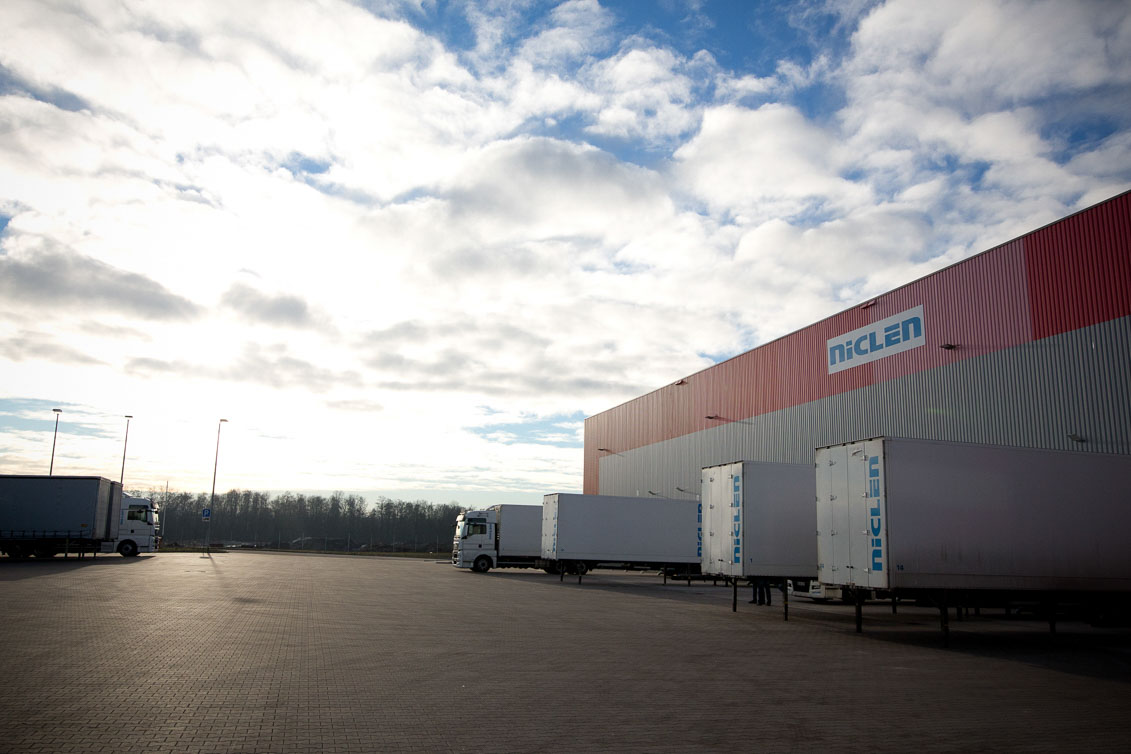 Firma NicLen GmbH, Moving Light Sytems